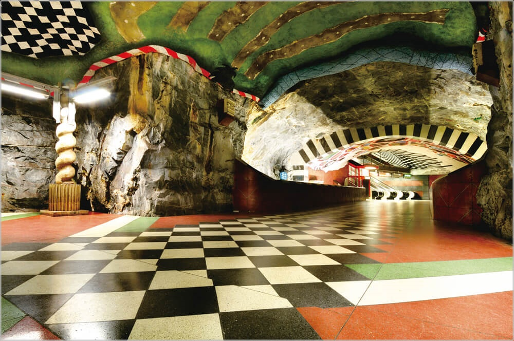 スウェーデン アート大国 地下鉄 画像